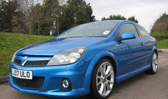 Top Tips For Cheaper Car Insurance - Blue Vauxhall Astra